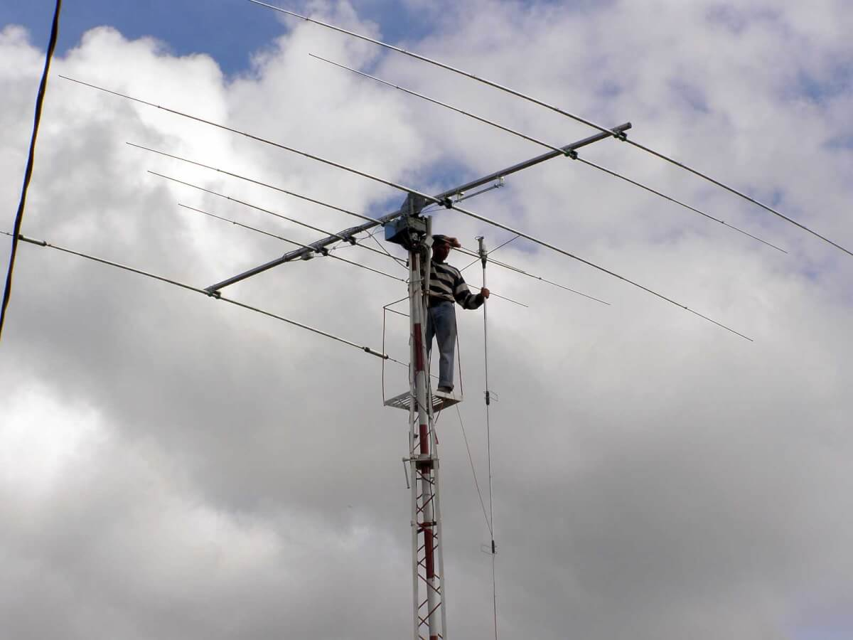 montaż anteny Big Star